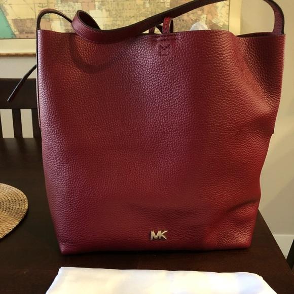 MICHAEL Michael Kors Handbags - Michael Kors Messenger bag